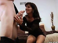 Pecker begging mature bitch gets incredible sexual pleasure